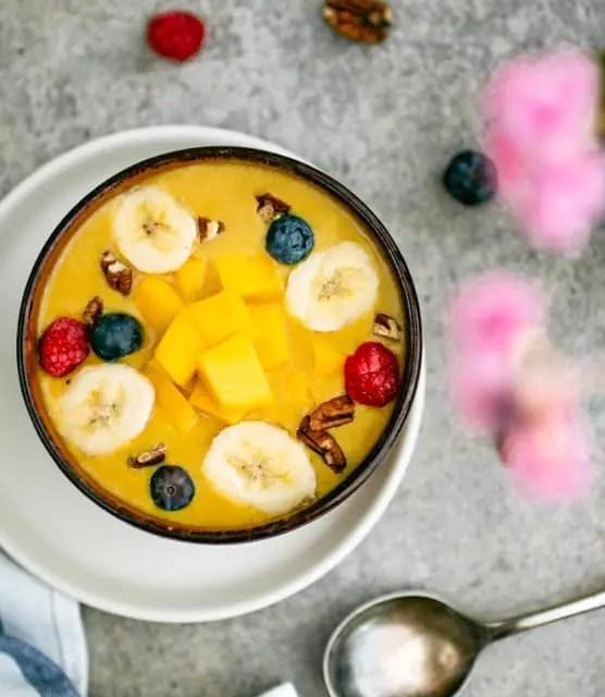 K33 Kitchen – Mango Smoothie Bowl