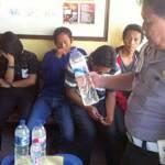 Pesta Miras, Muda-Mudi Dicokok Polisi