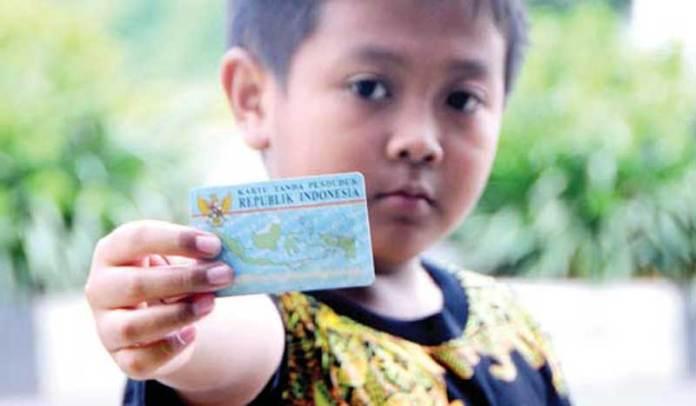 Dalam-waktu-yang-tidak-terlalu-lama,-anak-Indonesia-segera-memiliki-KTP.