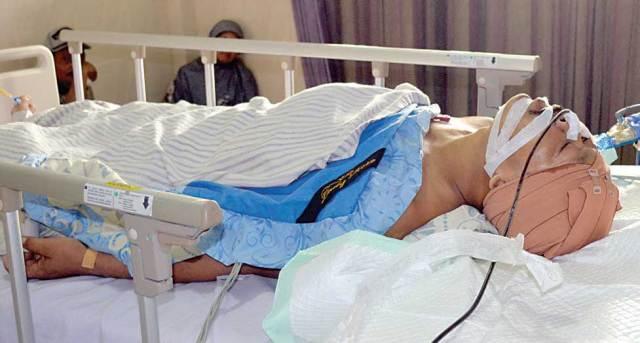 Sumardi-dirawat-di-ruang-ICU-Rumah-Sakit-Al-Huda,-Kecamatan-Gambiran,-Banyuwangi,-kemarin