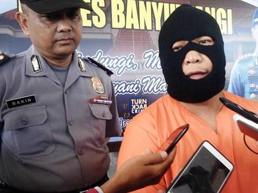JM-ditangkap-Satreskrim-Polres-Banyuwangi-karena-diduga-menipu-calon-TKI-asal-Desa-Gambiran
