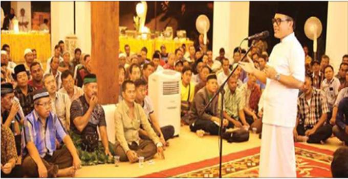 bupati-anas-menggelar-audiensi-dengan-para-pedagang-pasar-banyuwangi-tentang-rencana-pembangunan-pasar-tradisional-tersebut-di-pendapa-sabha-swagata-blambangan-rabu-malam