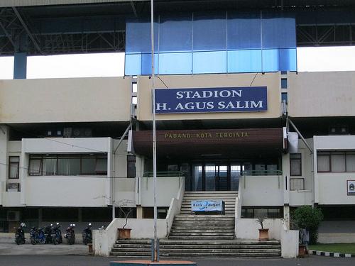 GOR H. Agus Salim Kota Padang. (Foto:perjalananharianku.blogspot.com)
