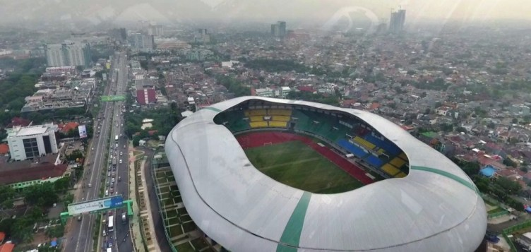 Patriot Candrabhaga Stadium is a multi-purpose stadium located in Bekasi, West Java, Indonesia. It is currently used mostly for football matches. The stadium holds 30,000 people./tanharimage