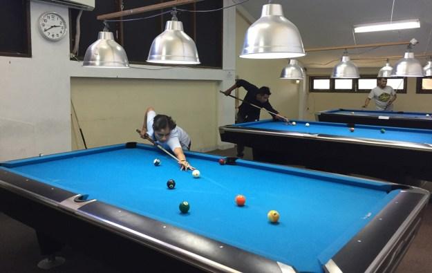 Latihan persiapan Atlet POBSI Sumatera Barat mengikuti Kejurnas Biliar se-Indonesia di Jakarta, 18 November 2017, mendatang.