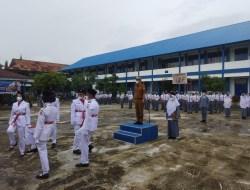 Wawako Menjadi Inspektur Upacara Bendera di SMAN 1 Kota Solok