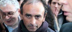 le-chroniqueur-journaliste-et-ecrivain-eric-zemmour-a-paris-le-11-janvier-2011_4895627