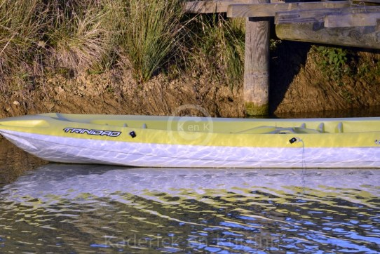 eau-lac-montagne-canoe