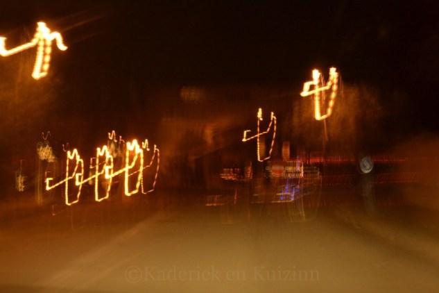 Photo d'Eclairage de Noël pris en voiture ce qui donne cet effet