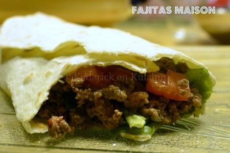 Recette et cuisson des fajitas faites maison avec une sauce salsa