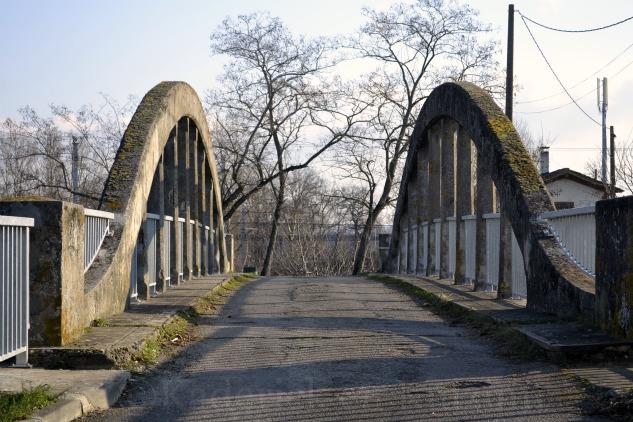 Photo du pont du Canal du Midi en perspective pour le projet 52 de vivre la photo