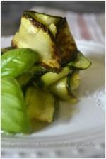 Recette plancha : des tagliatelles de courgettes bio cuites à la plancha avec du basilic