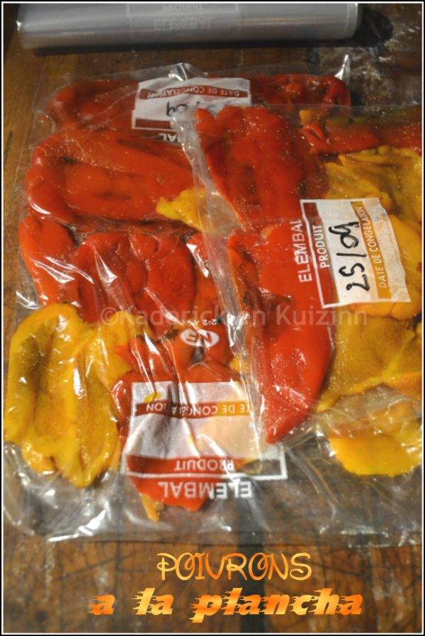 Dégustation poivrons grillés multicolores à la plancha et préparé pour mettre au congélateur