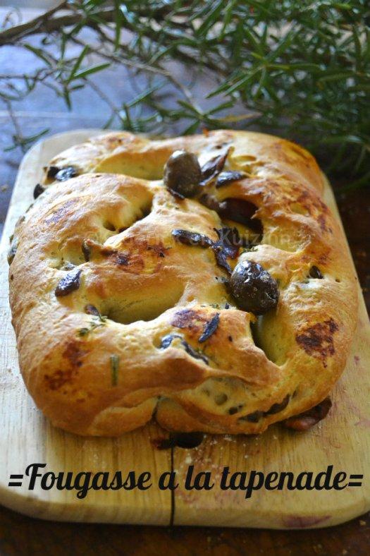 Cuisine saine et durable : fougasse tapenade d'olives noires et herbes de Provence pour un pain du dimanche