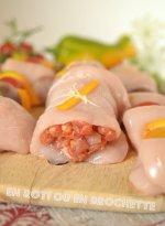 Cuisine plancha - Poulet farci au chorizo à cuire en rôti ou brochettes à la plancha avec des tomates cerises et du poivron bio