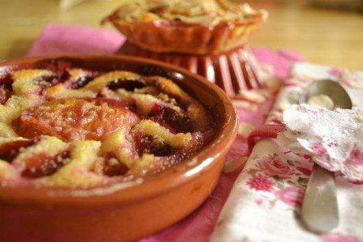 Recette du clafoutis nectarines, prunes et amandes bio pour un dessert estival - Kaderick en Kuizinn©