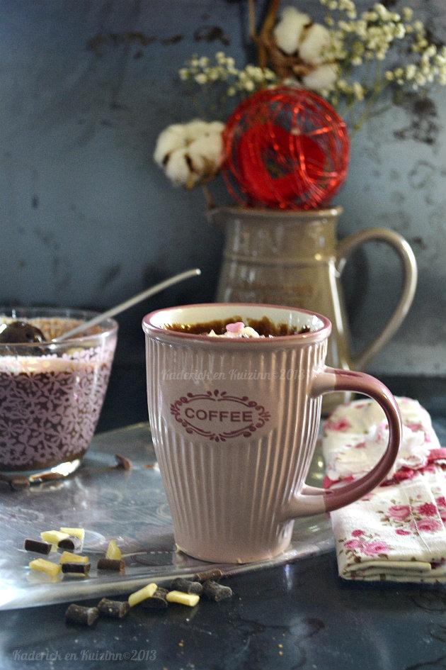 Recette mug cake aux trois chocolats, noir, lait et blanc cuit au micro onde en une minute - Kaderick en Kuizinn©2013