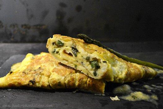 Recette de l'omelette asperges vertes fines bio pour un plat de saison - Kaderick en Kuizinn©