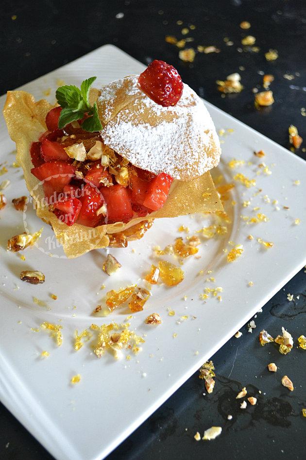 Recette de tartare de fraises croustillantes en nougatine pour un dessert croquant et frais