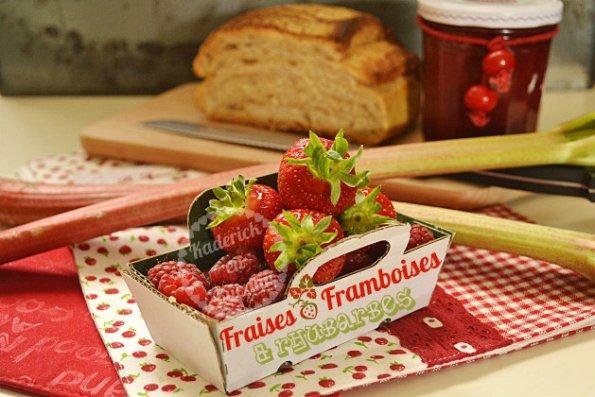 Préparation confiture de fraises, framboises, rhubarbes - Recette saine et bio cuite à la machine à pain