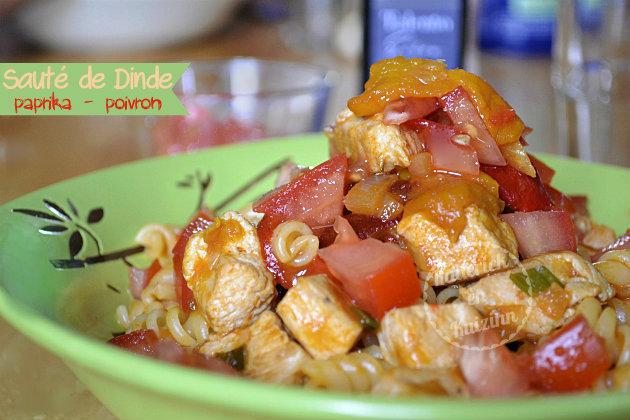 Recette pâtes au sauté de dinde epices, paprika, poivrons et tartare de tomates bio fraîches