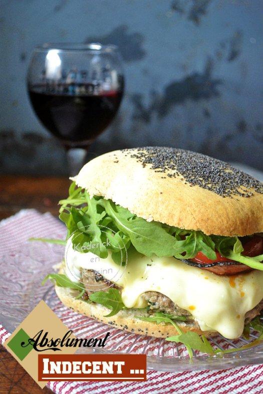 Dégustation du cheeseburger classic qui est absolument indécent