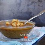 Dégustation soupe de légumes bio épicée et croûtons de pain - recette légumes bio