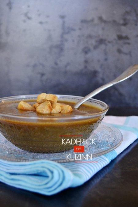 Dégustation recette soupe potimarron de légumes bio épicée et croûtons de pain - recette légumes bio