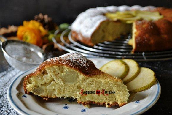 Recette du moelleux aux pommes, poires, amandes en poudre - Recette de dessert