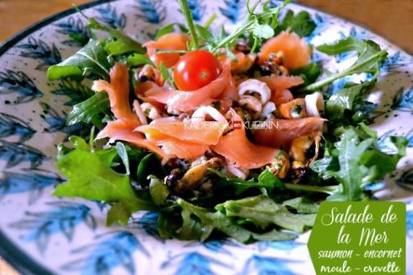 Salade mer en chaud-froid, saumon, crevette, encornet et moule à la plancha