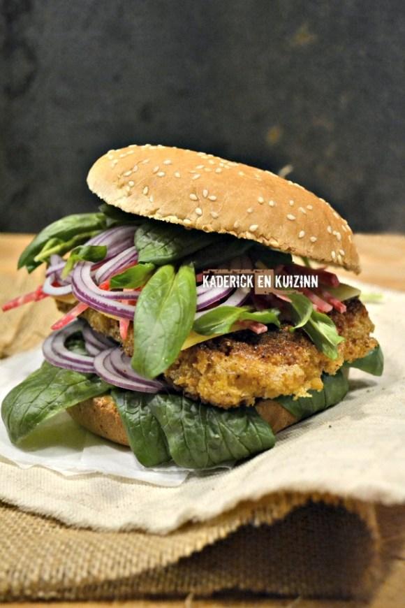 Dégustation Hamburger poulet pané betterave mâche et comté - Kaderick