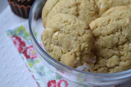 ob_a2e67d_cookies-chocolat-blanc-et-amandes-2304