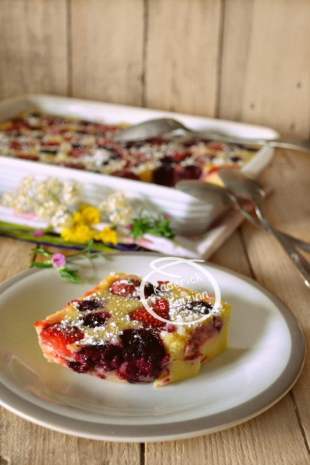 Dossier clafoutis fraises mûres lait amande à l'Omnicuiseur chez Kaderick en Kuizinn