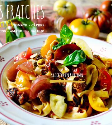 Recette pates fraiches au safran et sauce tomate câpres basilic chez Kaderick