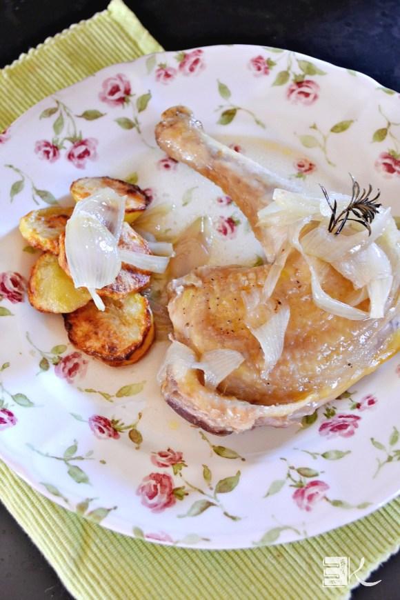 Degustation cuisse de poulet jus au pastis oignons en papillote
