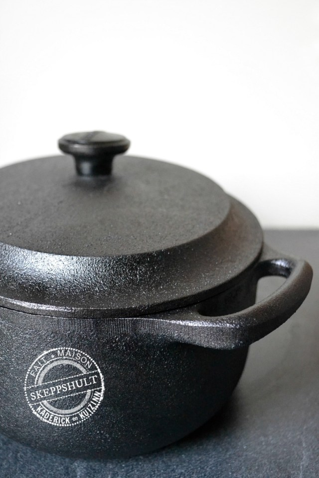 Cocotte en fonte suédoise de la marque SKEPPSHULT pour Scandi vie | Kaderick en Kuizinn