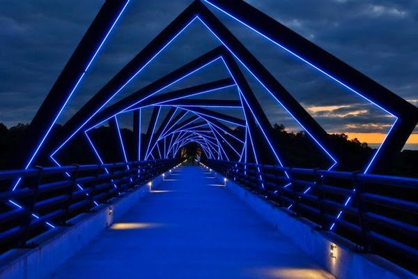 high trestle trail bridge,