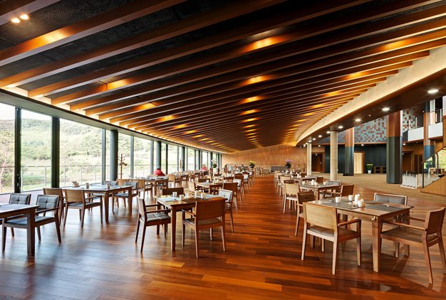 Seowon-Golf-Clubhouse-Design-by-ITM-Yooehwa-Architects-and-Itami-Jun-Architects-(17)