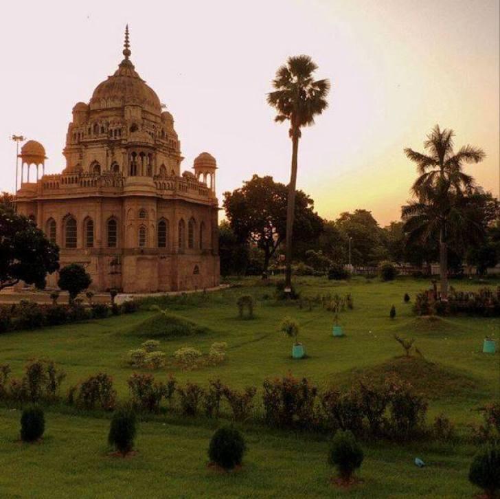 Begum Mursheer Zadi's Mausoleum, Lucknow, Uttar Pradesh