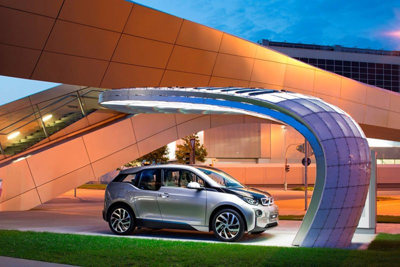 EIGHT installs solar powered fast-charging station at BMW welt 6