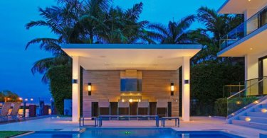poolside bar and bbq,