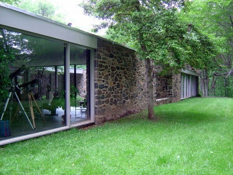 mid century modern architecture of Hooper House II by Marcel Breuer