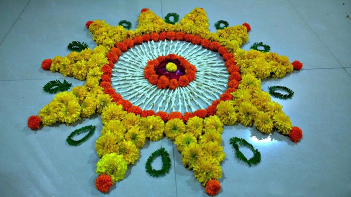 easy-rangoli-designs-for-beginners-with-flowers