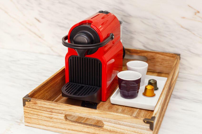 kompakte kaffeekapselmaschine