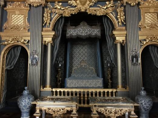 Drottningholm Palace, Sweden. Photo: CubeFarmEscape at http://cubefarmescape.com/2011/06/pick-a-palace-or-two/