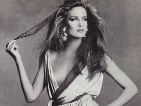 Jerry Hall, 1970s. Source: birkinbagbeauty.blogspot.com