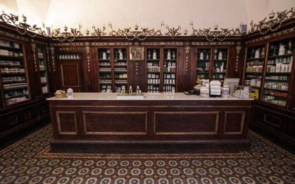 Interior of the old Farmacia apothecary boutique in Florence. Source: the company's website.
