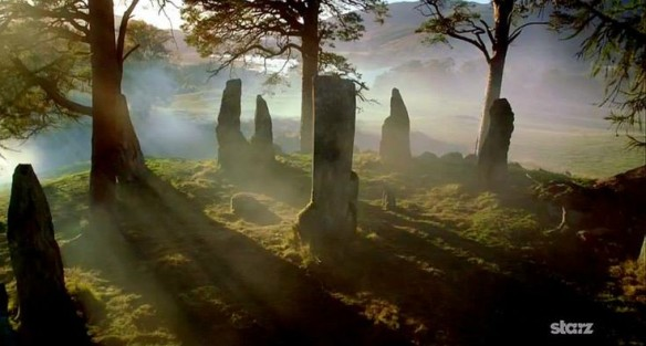 The standing stones. Outlander via Rachel Blachel & Pinterest.