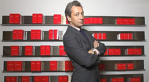 "Malle as ""publisher"" of a library of perfume novels. Source: lefigaro.fr"