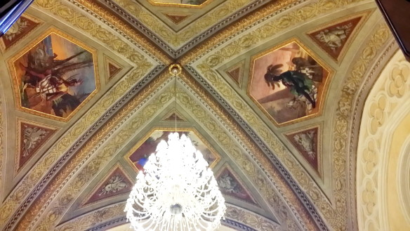 The ceiling in one of the main salon rooms. Photo: my own.